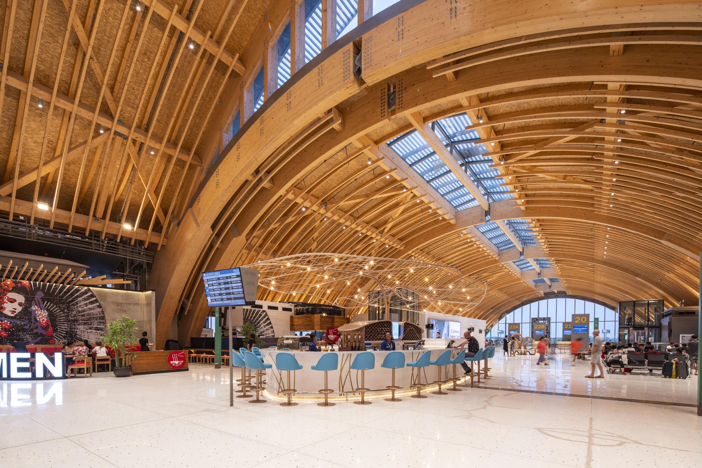 Timber roof - embodying circular economy principles (Mactan Cebu International Airport Terminal 2) © Marcel Lam Photography